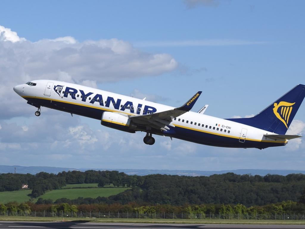 Ryanair retrocede: los clientes que reservaron antes del 31 de agosto podrán llevar equipaje de mano gratuito