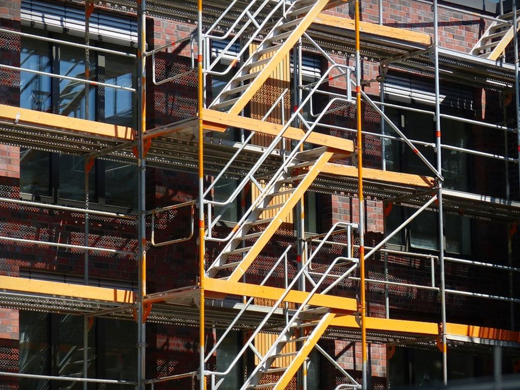 ¿Qué permisos debo pedir para reformar la fachada de casa?