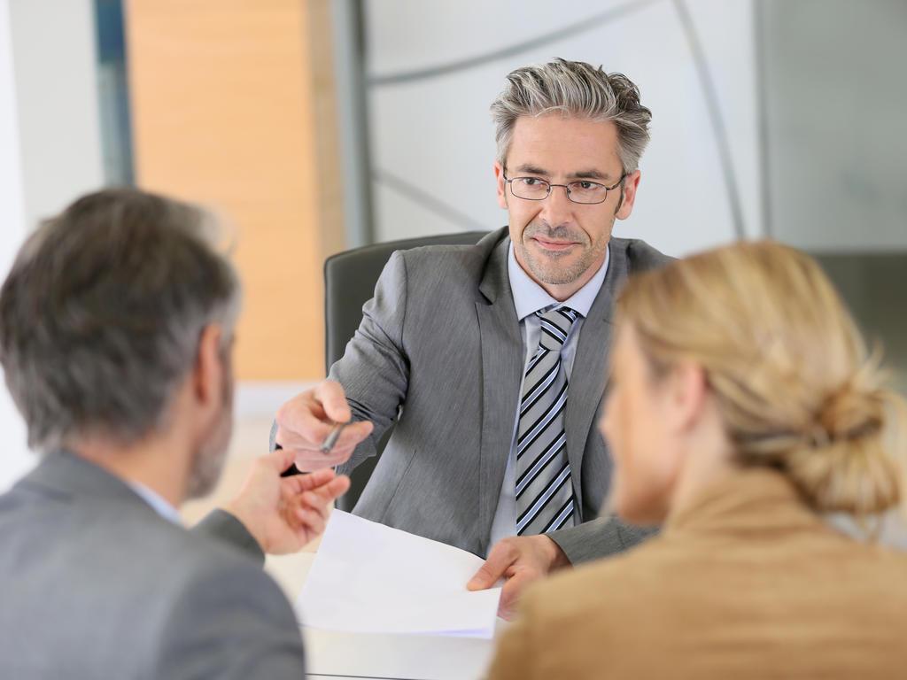 El deber de lealtad profesional del abogado. Tratamiento jurídico