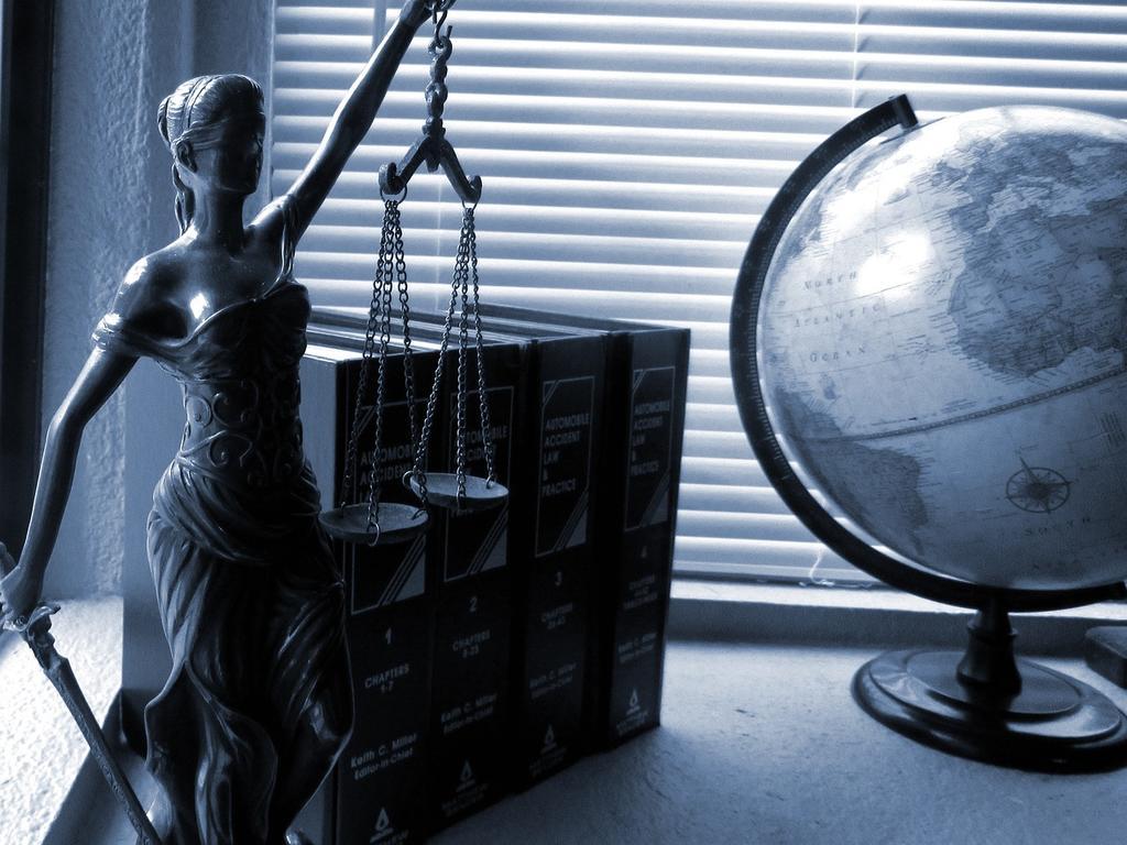 ¿Cuándo es obligatorio contratar abogado y procurador?