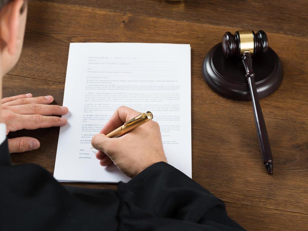 La aclaración de sentencia y la interrupción de los plazos para recurrir