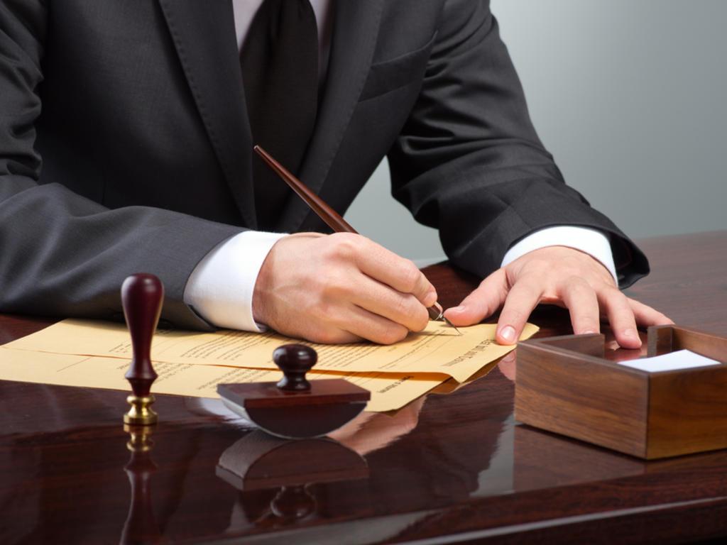 La redistribución de la responsabilidad hipotecaria debe constar en documento público