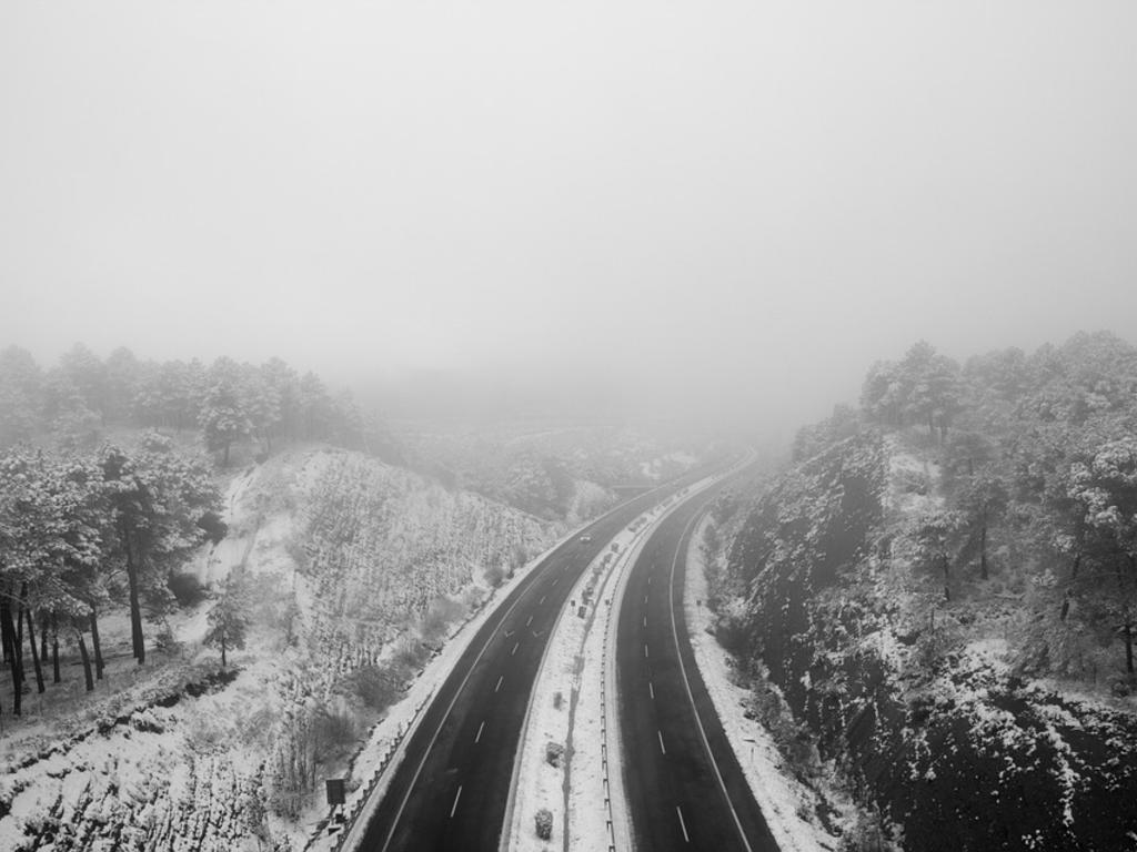 Si me quedo atrapado en una autopista por un temporal ¿A quién reclamo?