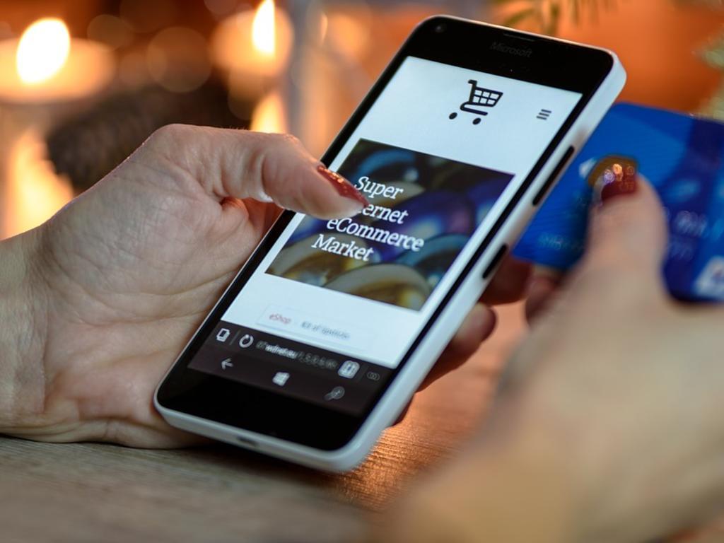 ¿Son comerciantes quienes publican anuncios en Internet para vender productos?