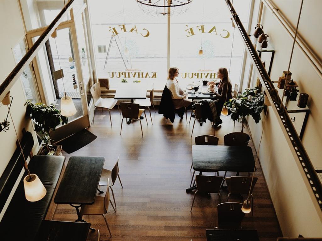 Arrendamiento de local de negocio: factura fiscalmente correcta