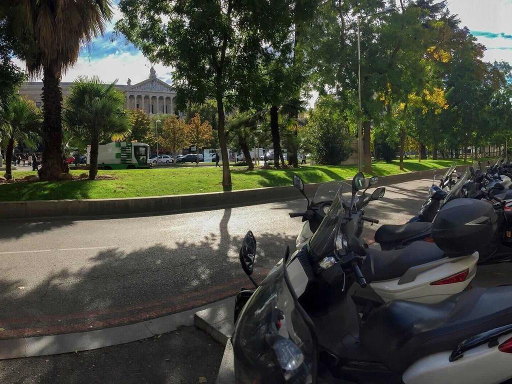 ¿Cómo afectan las restricciones del tráfico en Madrid a las motos?