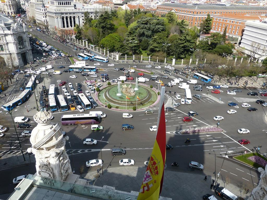 Una puerta fácil de entrada a España para extranjeros con medios económicos: La residencia temporal no lucrativa