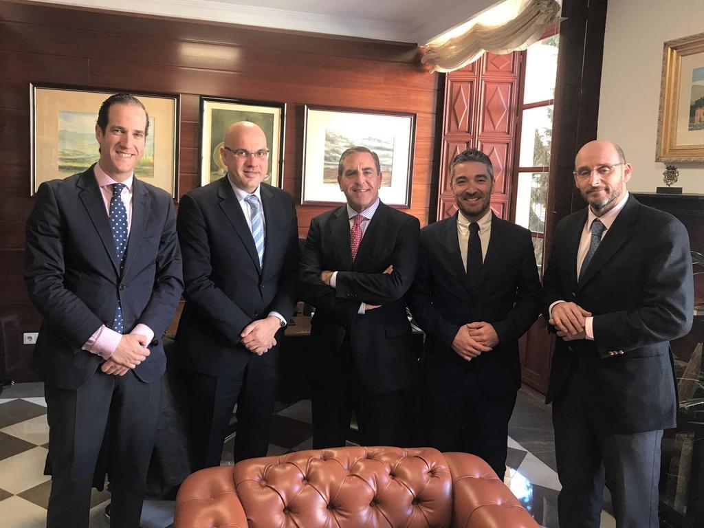 El Colegio de Abogados de Granada demanda una reforma legislativa autonómica para acabar con el intrusismo en la profesión