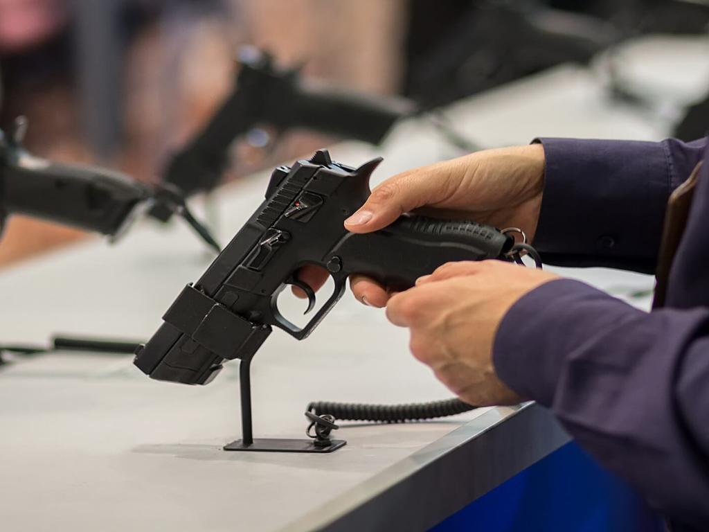 Posesión de armas en España: ¿qué dice el reglamento?