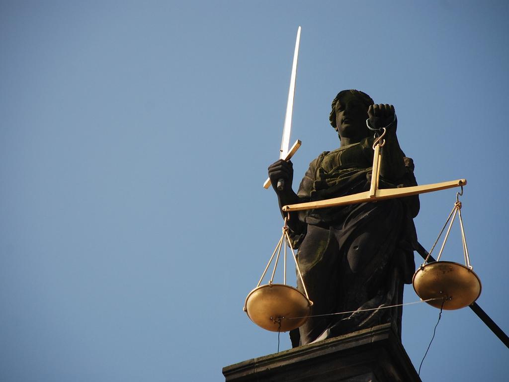 La Justicia, lo justo y la Integridad del Derecho Penal