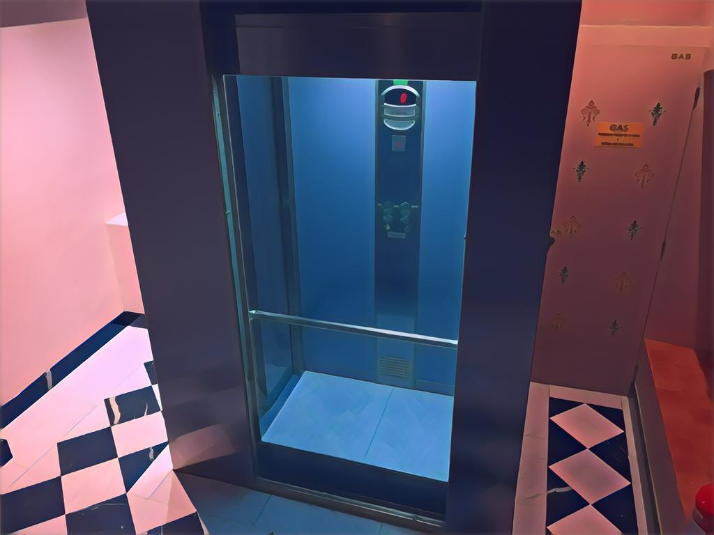 ¿Están obligados los locales a contribuir en los gastos de instalación del ascensor hasta «cota cero»?