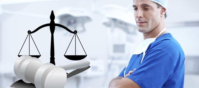 El TSJ de Galicia obliga al Sergas a indemnizar a una paciente a la que le quedó una mano inútil tras una operación en A Coruña