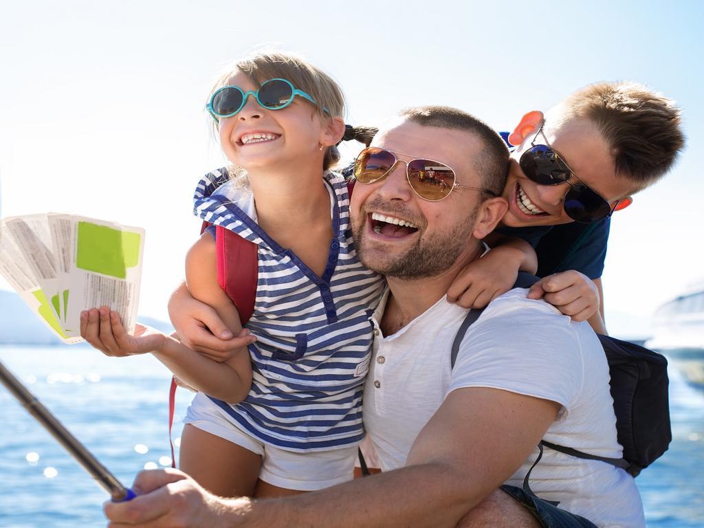 ¡Cuidado con las fotos que publicas de tus hijos en tus redes sociales este verano!