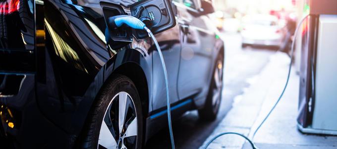 ¿Qué ventajas fiscales tiene un coche eléctrico?