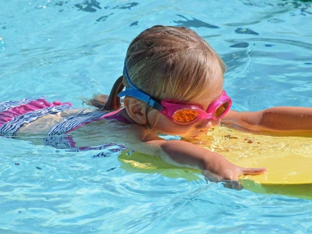 Otitis, cistitis o conjuntivitis: Así se combaten los 'itis' más típicos del verano