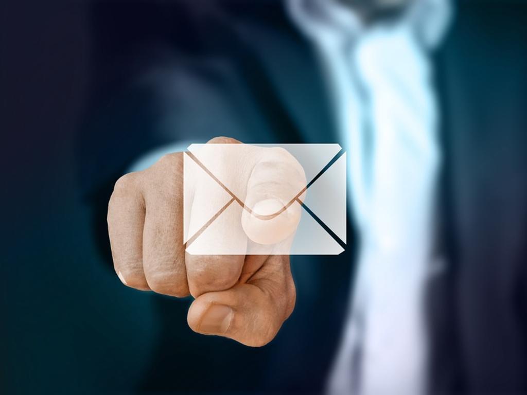 Convocatoria a la junta enviada por correo electrónico sin necesidad de acreditar el recibo