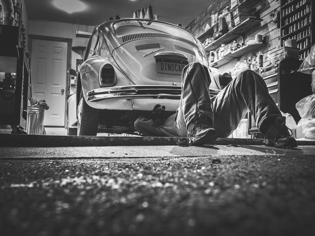 ¿Qué derechos tienes al llevar tu vehículo al taller?