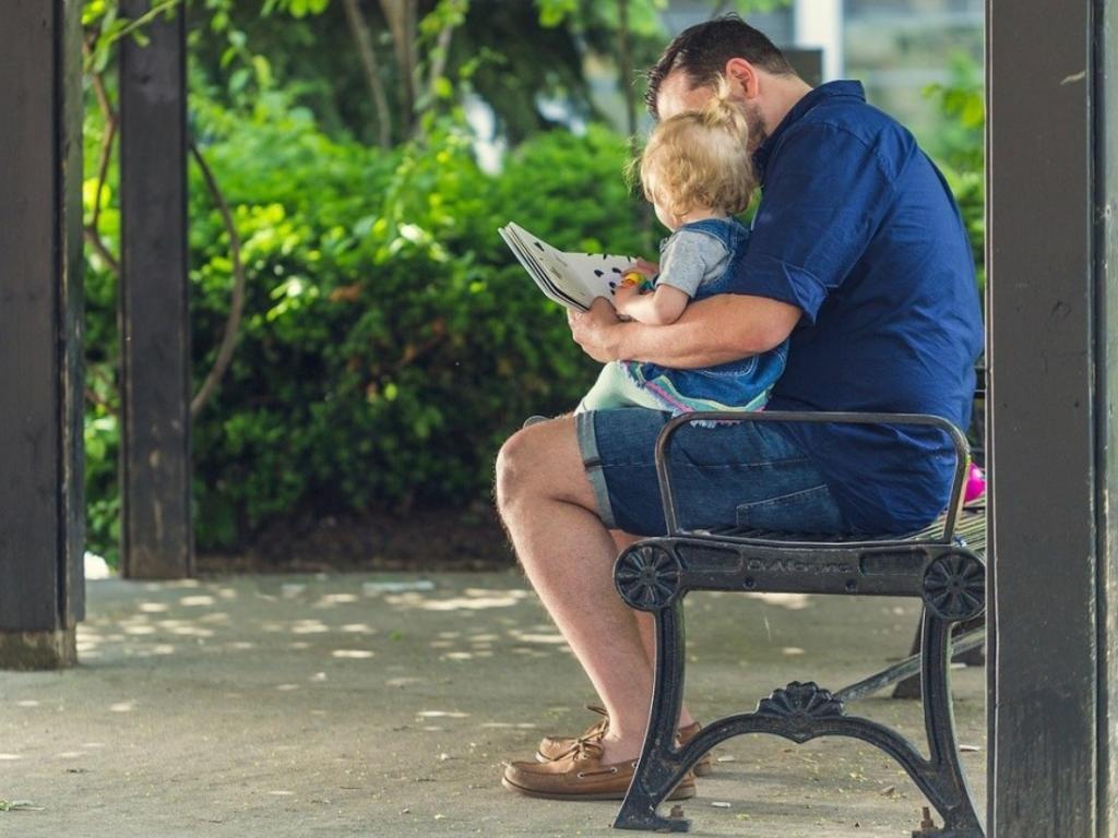 Baja por paternidad: novedades del Real Decreto-ley 6/2019