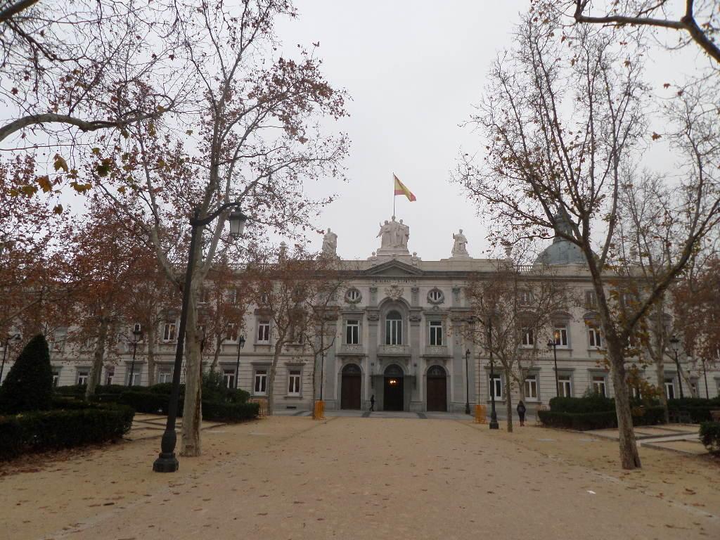 El Tribunal Supremo confirma las penas de entre 4 y 22 años de prisión por obligar a tres mujeres a ejercer la prostitución en Valencia