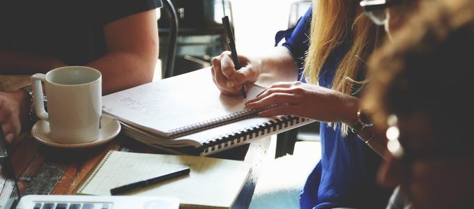 ¿Puedo trabajar en España teniendo un permiso de estancia por estudios?