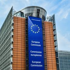 Navas & Cusí lleva a Bruselas el retraso en la trasposición de la directiva hipotecaria