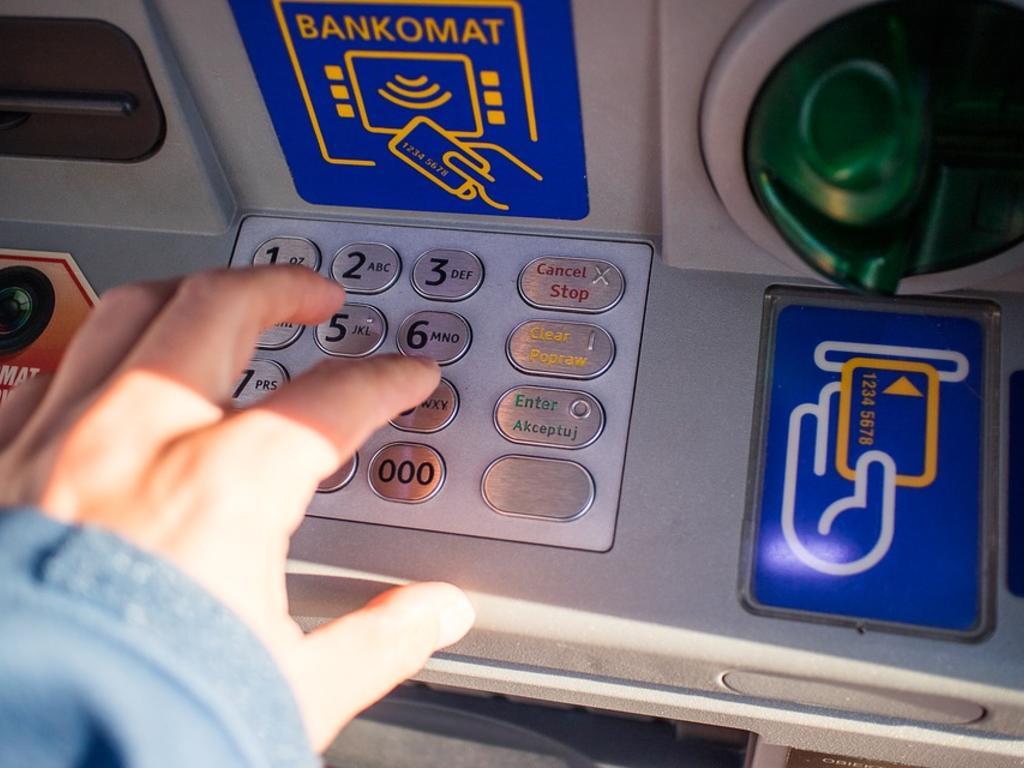 Retiradas e ingreso de dinero en efectivo. Aspectos legales a tener en cuenta