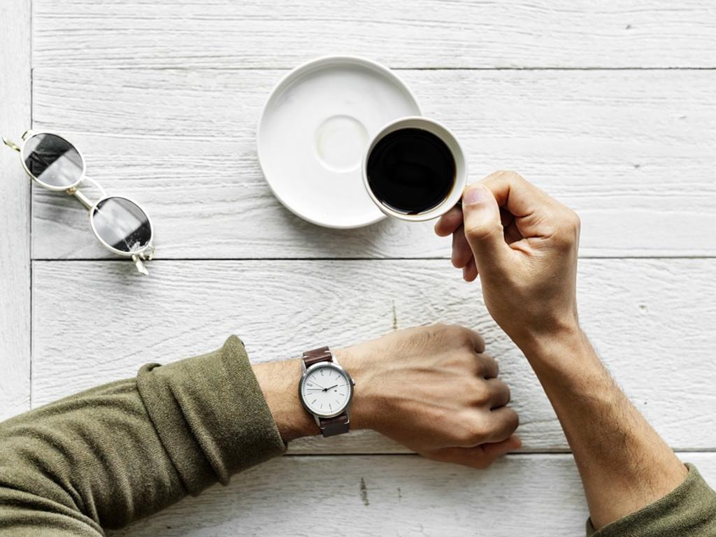 La empresa puede descontar directamente de las nóminas de los trabajadores el tiempo de los retrasos injustificados