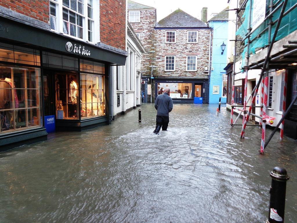 Las lluvias han inundado mi casa ¿Quién me lo paga?