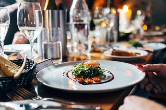Pueden Los Restaurantes Subir Sus Precios En Navidad