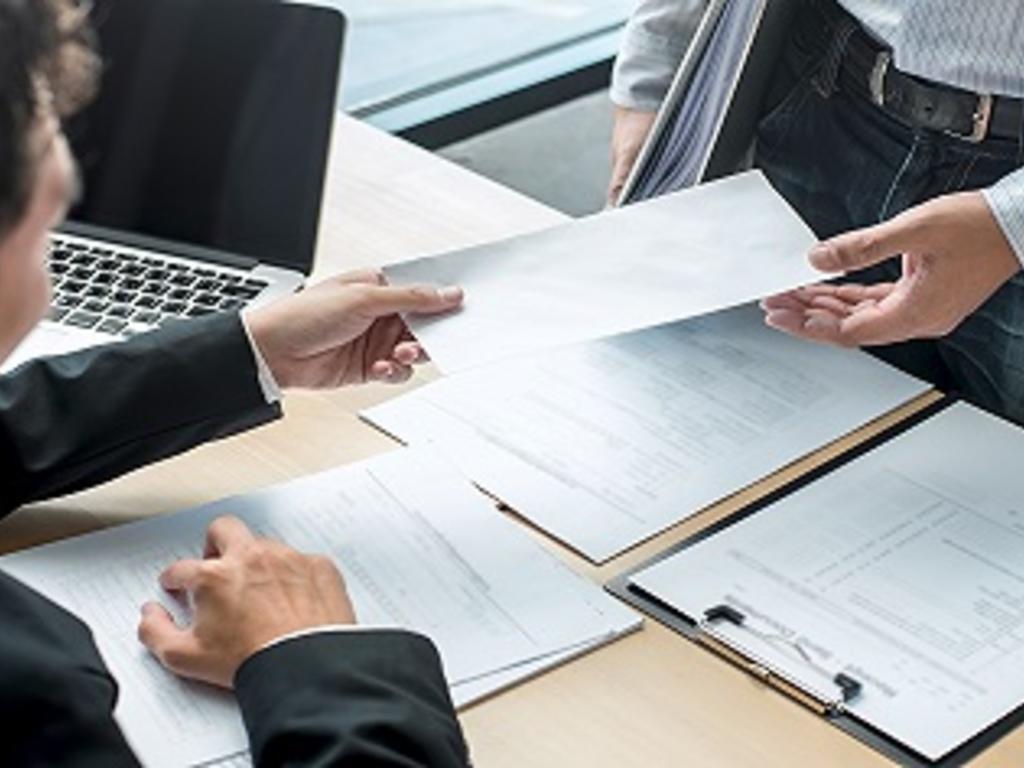 ¿Sabías que tu empresa puede despedirte, aunque tus ausencias estén justificadas?