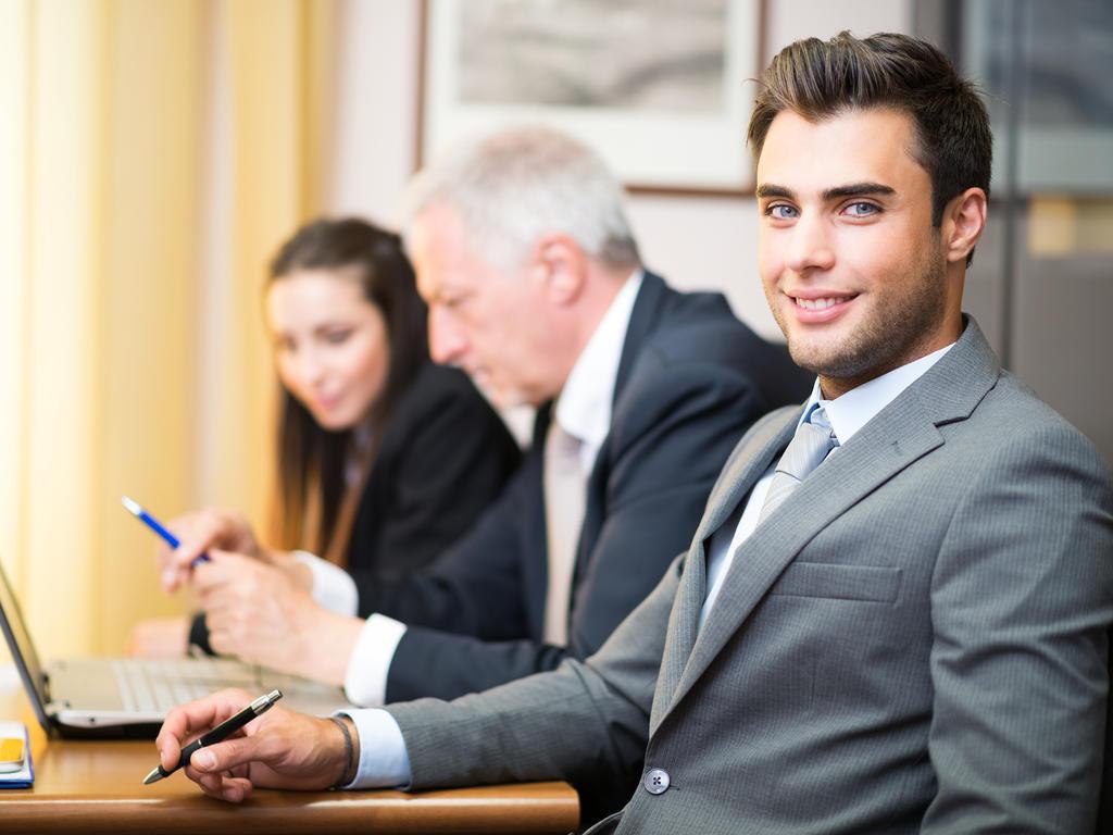 Abogados de estudios jurídicos ¿en planilla, con contrato?