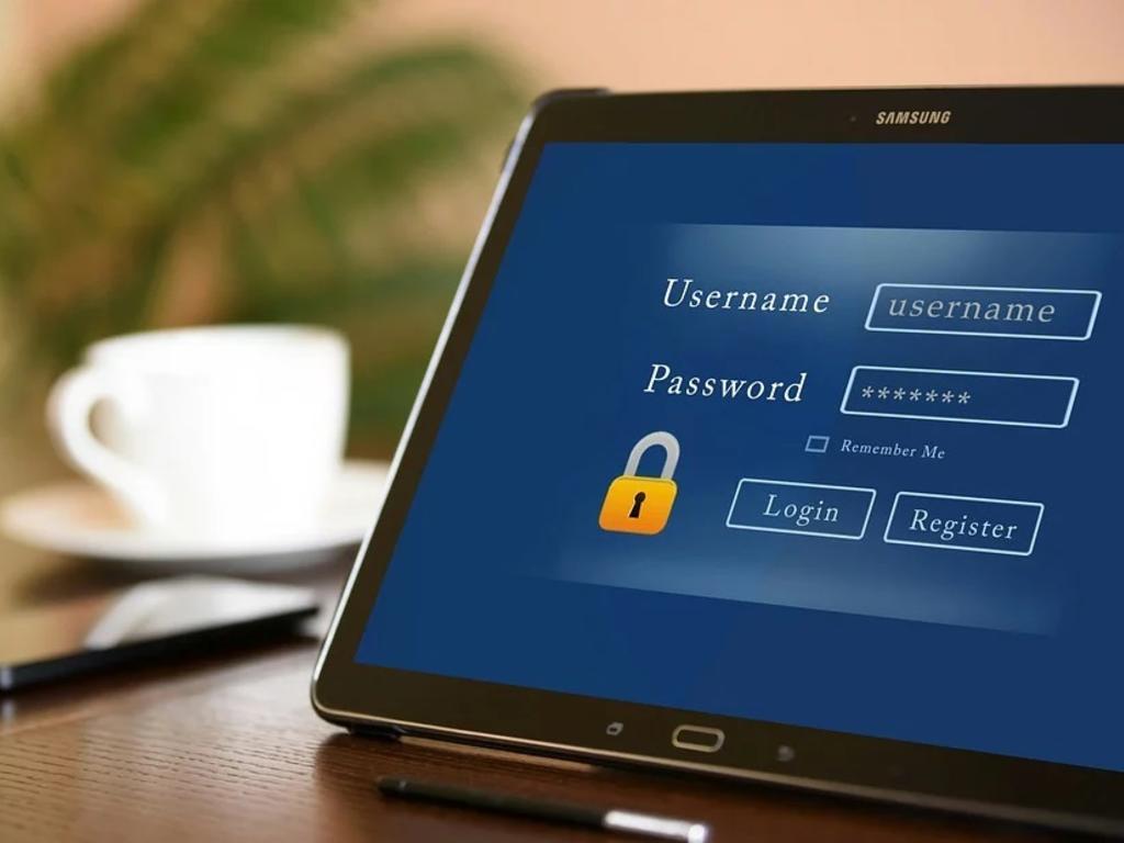 """Evitar """"1234"""" como contraseña o tener siempre actualizado el sistema operativo: 9 consejos de seguridad en Internet"""