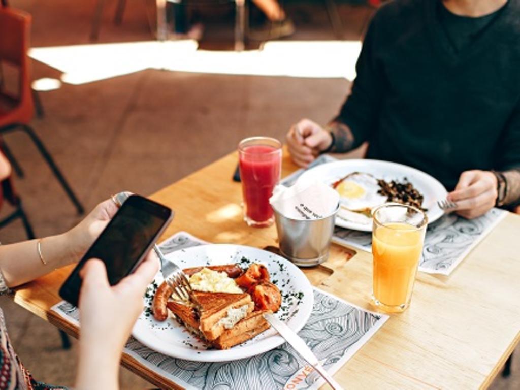 Si reservo en un restaurante y doy mis datos, ¿pueden enviarme ofertas?