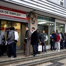 El Covid 19 empieza a dejar su huella en los datos de paro de marzo con 302.300 desempleados más:  el cierre de las actividades no esenciales afectará a más de 9 millones de personas, casi la mitad d