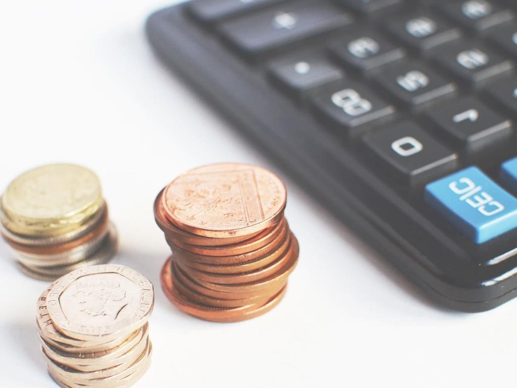 Reajustes salariales para conservar el empleo