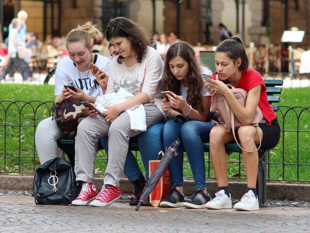 Adolescentes, padres y tecnología: la familia vulnerable