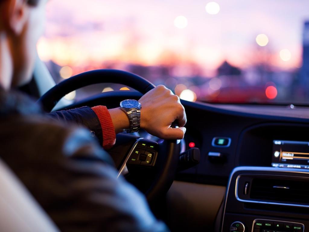 Línea de defensa para absolución de cliente que conduce sin permiso de conducir por no haberlo obtenido nunca. Un caso real