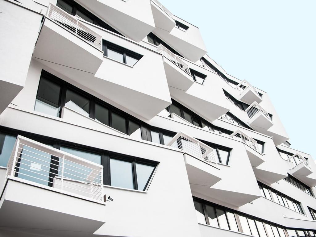 Retos del embargo inmobiliario, causa de fuerza mayor y la virtualidad en tiempos de SARS-COV-2 (COVID-19)