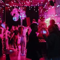 Botellones y fiestas clandestinas pese a las restricciones COVID: multas de hasta 600.000 euros