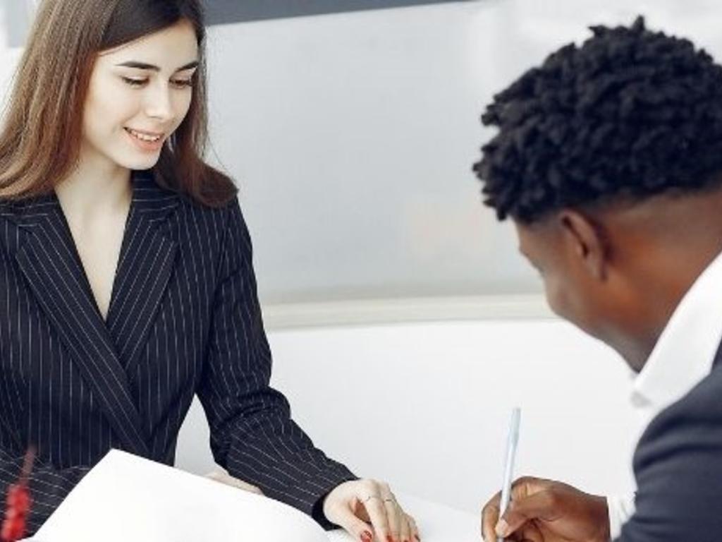 ¿Cómo afecta la fusión de entidades bancarias a sus clientes?