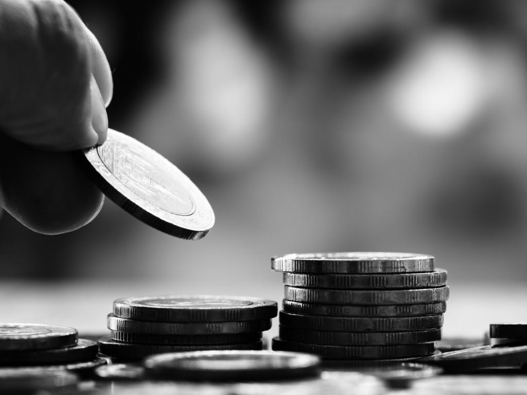 Consumidores.  Intereses y comisiones por posiciones deudoras. Abusividad o inexistencia de causa