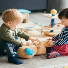 La Comisión propone medidas para defender los derechos del niño y ayudar a los niños necesitados