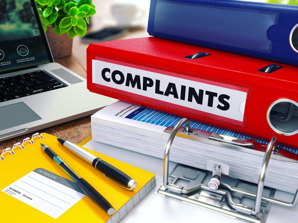 ¿Es obligatorio que la persona que formaliza una denuncia a través del canal de denuncias se identifique para poder iniciar un procedimiento de investigación sobre la veracidad de su contenido?