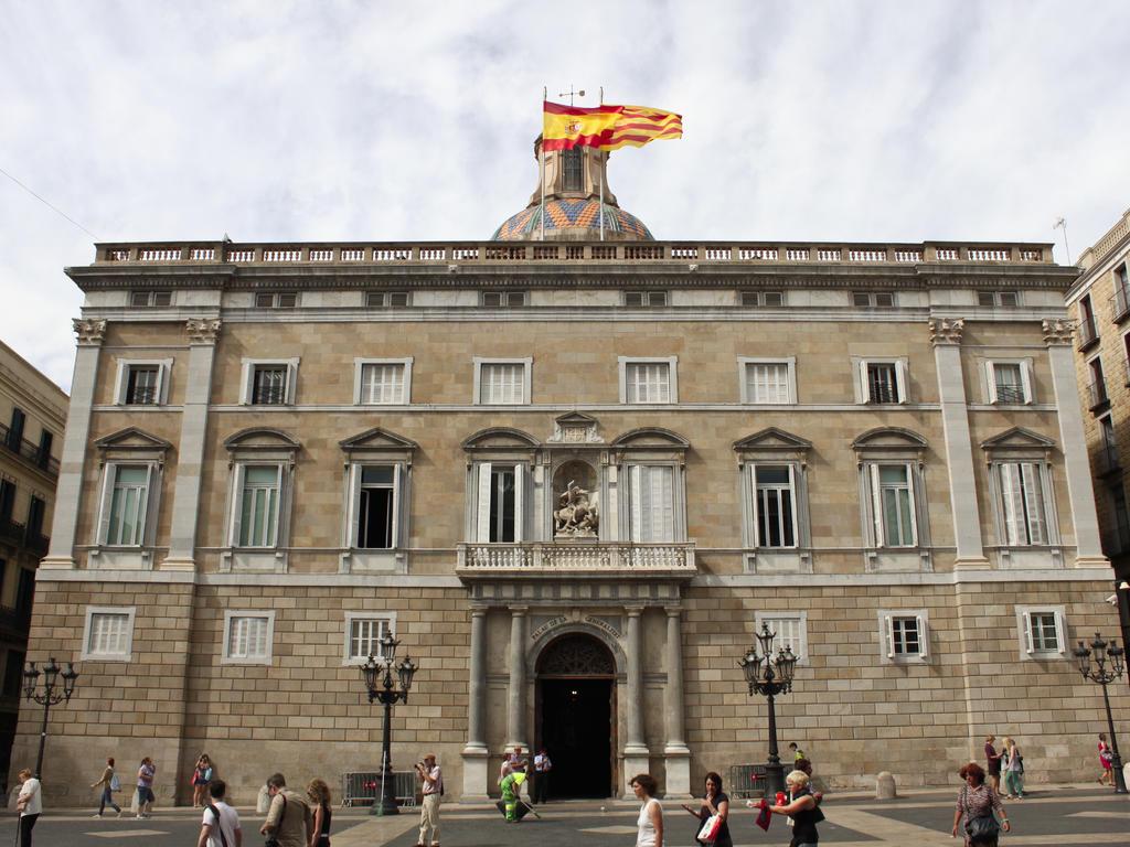 El TSJ ordena a la Generalitat a vacunar contra el Covid-19 a los agentes de Policía Nacional y Guardia Civil destinados en Cataluña