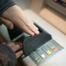 Más comisiones y menos rentabilidad: la realidad del cliente bancario