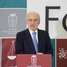 """Santiago Muñoz Machado: Al igual que no puedes quitar a los médicos y economistas su lenguaje técnico, tampoco a los juristas"""""""