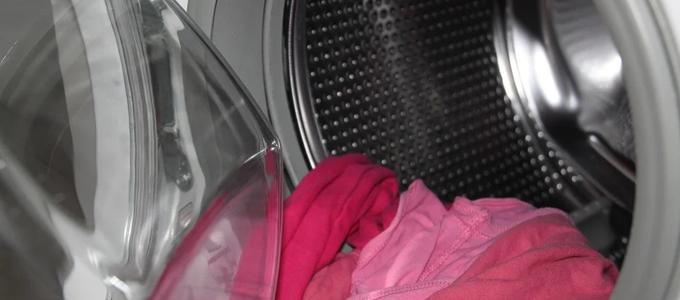 Poner una lavadora en horario nocturno puede acarrear una demanda de los vecinos