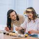 El TSXG reconoce el derecho de una trabajadora a que su empresa la cambie de sede geográfica para conciliar su vida familiar