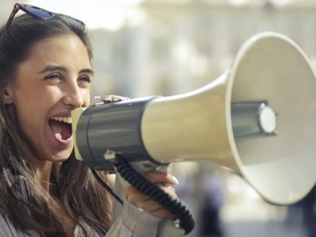 ¿Cuándo pasa a ser delito la libertad de expresión?