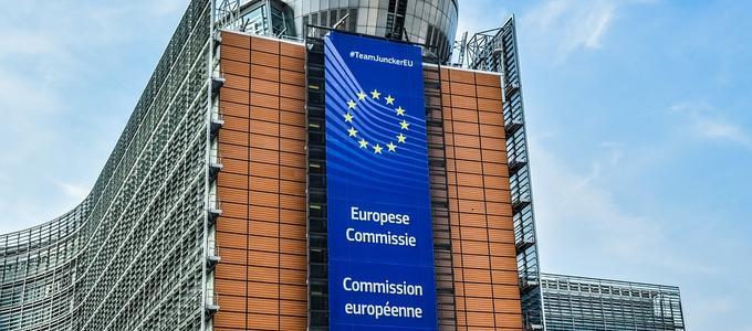 Navas & Cusí denuncia en Bruselas el abuso de la temporalidad de los empleados públicos